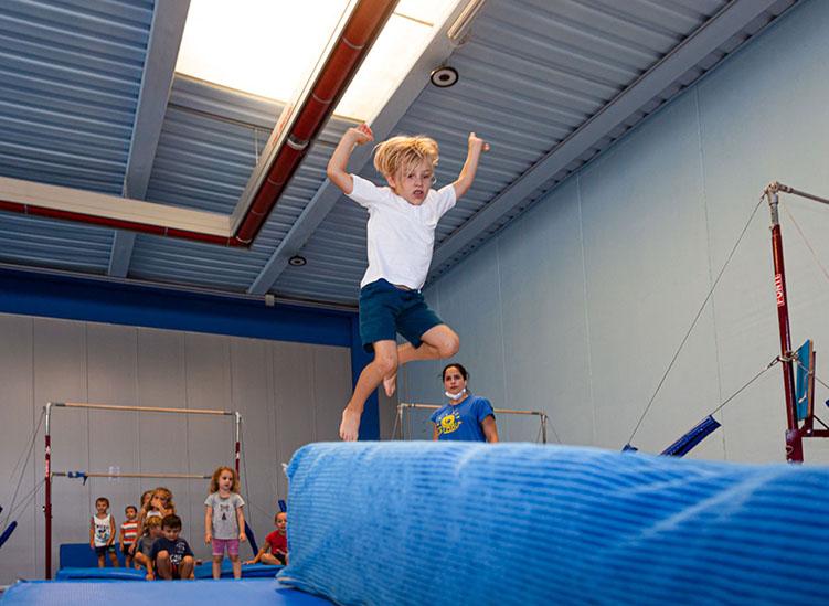 Officina5 corsi di ginnastica artistica, ritmica acrobatica a Moimacco
